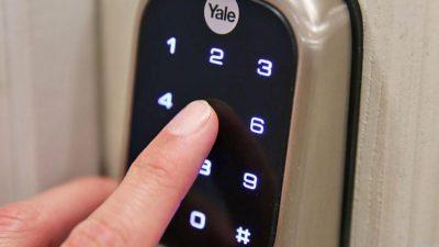 Lắp khóa cửa vân tay cho nhà trọ